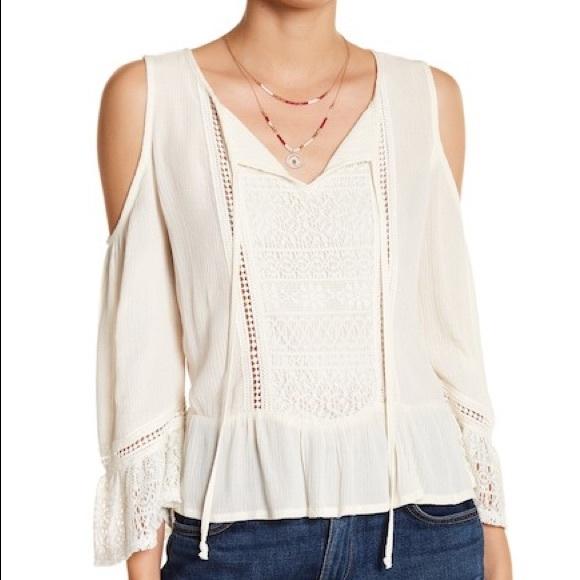 097a093e8ec95 NWT Melrose and market cold shoulder blouse